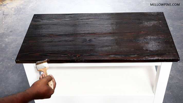 Applying Varathane PU to seal the table top