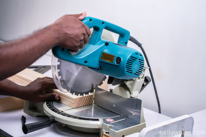 Cutting the pieces for the table on the miter saw