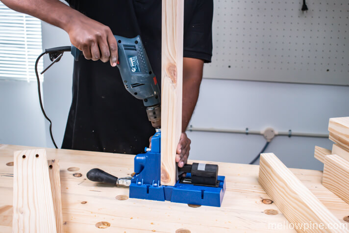 Making pocket holes in the Vertical Pieces of the leg frame