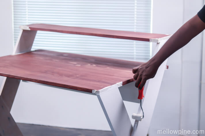Painting the legs of the X desk white