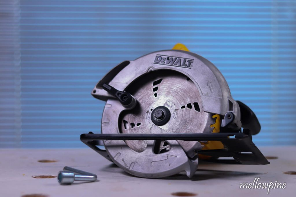 Circular saw after changing the blade